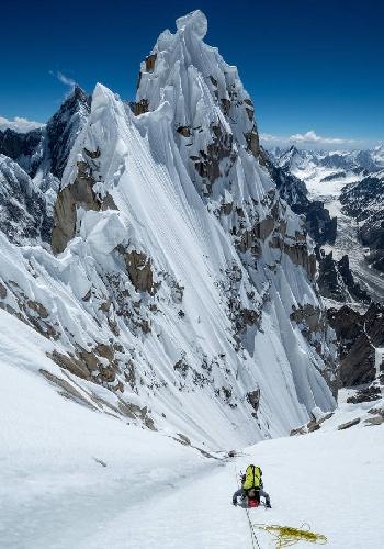 Первопокорение Западной вершины пика Линк Сар в Пакистане в потрясающих фотографиях Джонатана Гриффита