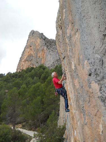 Ивор МакКурт (Ivor McCourt) на маршруте 6b в Испании
