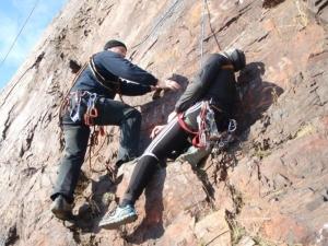 Самоспасение в двойке для альпинистов.