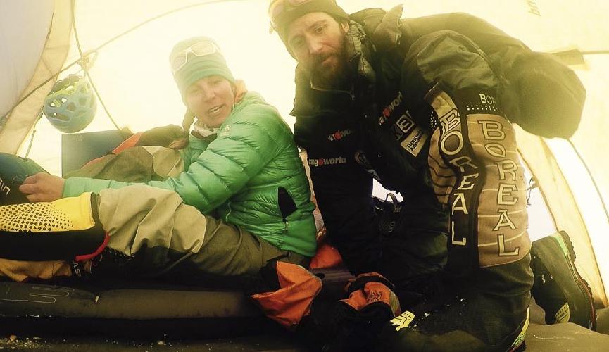 ТАмара Лунгер и Алекс Тикон в первом высотном лагере