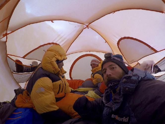 Алекс Тикон, Али Садпара, Симоне Моро и Тамара Лунгер во втором высотном лагере