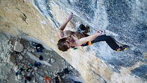 Даниэль Вудс проходит маршрут Papichulo (9a+), свою пятую в карьере подобную сложность