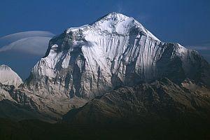 Дхаулагири. Все маршруты восхождения на седьмой по высоте восьмитысячник мира
