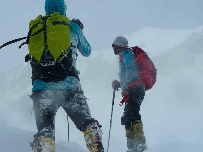 Али Садпара и Алекс Тикон во время зимней экспедиции на Нангапарбат