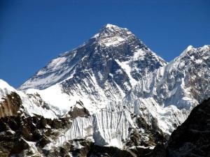 Более 60 военнослужащих поднимутся на Эверест в 2016 году