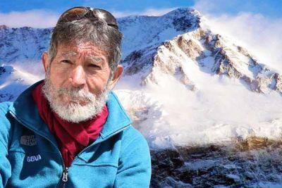 77 летний Карлос Сория устанавливает рекорд мира: он стал старейшим альпинистом, кто поднялся на вершину Аннапурны