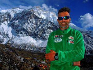 Болгарин Боян Петров стал первым альпинистом кто поднялся на восьмитысячник в весеннем сезоне 2016 года