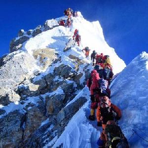 Трагедия на Эвересте: в четвертом высотном лагере погиб иностранный альпинист