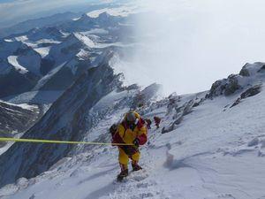 Весна 2016 на восьмитысячниках Гималаев: Заключительные попытки восхождений в завершение сезона