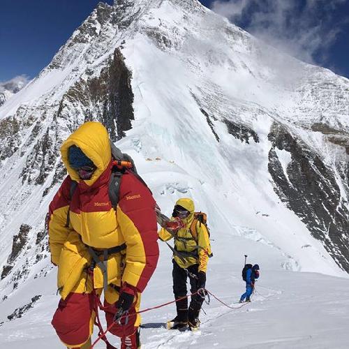 Татьяна Яловчак на Северном седле Эвереста (7000 метров)