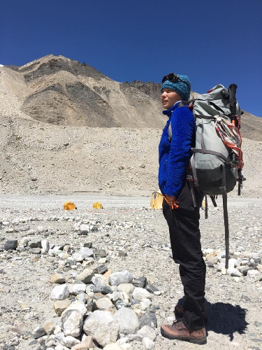 Татьяна Яловчак на выходе из базового лагеря. 15 мая 2016 года