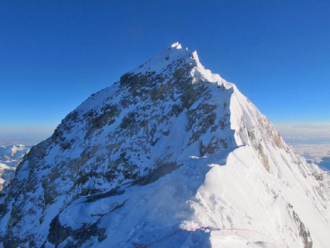 Альпинисты у вершины Эвереста. май 2016 года