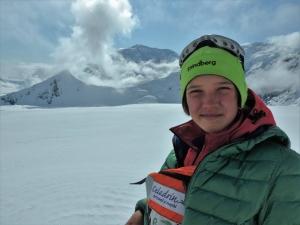 12 летняя румынка Джета Попеску стала еще одной самой юной девочкой в мире, которая поднялась на вершину самой высокой горы в США - Денали
