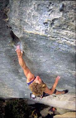 Француженка Кэти Вагнер улучшает свой собственный мировой рекорд в скалолазании, пройдя сложность 8b в возрасте 50 лет!