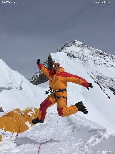 Людмила Коробешко на Северном седле Эвереста. высота 7000 метров