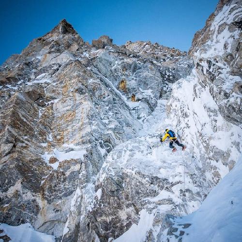 Ули Штек (Ueli Steck) и Дэвид Геттлер (David Göttler) в попытке восхождения на Шишапангму