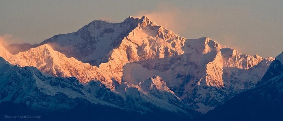 Канченджанга (8586 м) - «Пять сокровищ великих снегов»