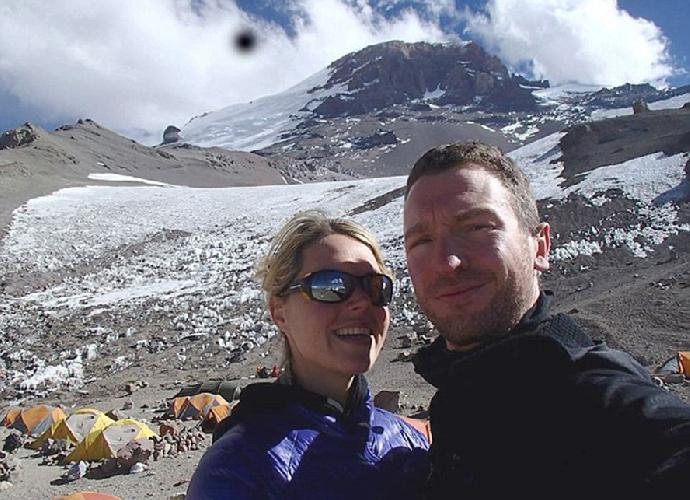 Мария Элизабет Стридом (Maria Elizabeth Strydom) с мужем Робертом Гропелем (Robert Gropel)