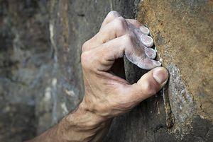 Частые травмы скалолазов: Связка А2