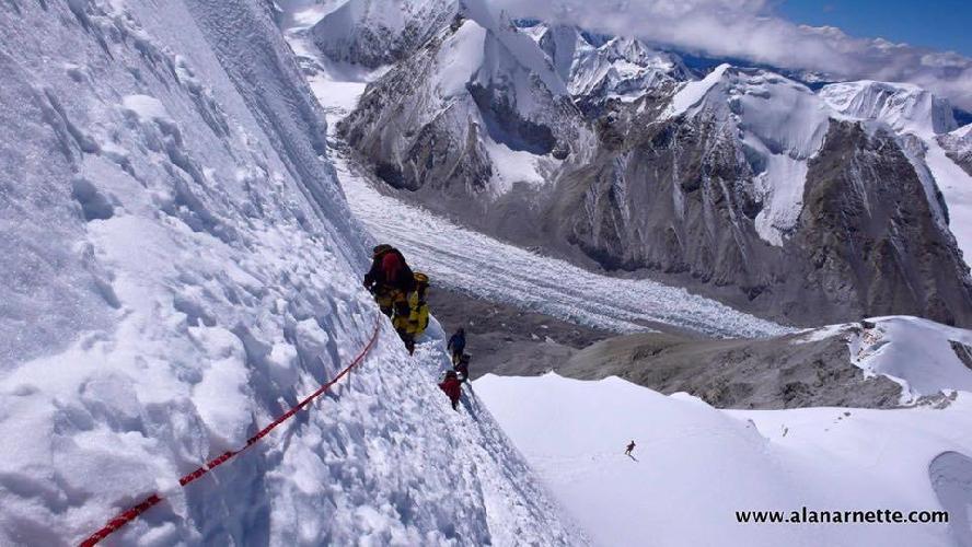 Участок траверса на К2. Высота 8300 метров.Фото Alan Arnette