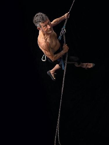 Карлос Сория: человек - гора. Photo Isabel Muñoz. Фото сделано в 2011 году, когда Карлосу было 72 года!