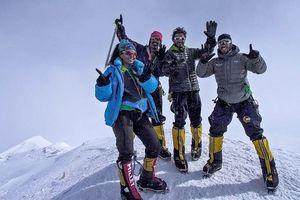 Сюзанна Аль Хоуби стала первой арабской женщиной на вершине высочайшей в США горы Денали и первой в программе