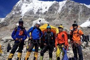 Непальские шерпы после уникальной спасоперации на Эвересте планируют установить рекорд на К2