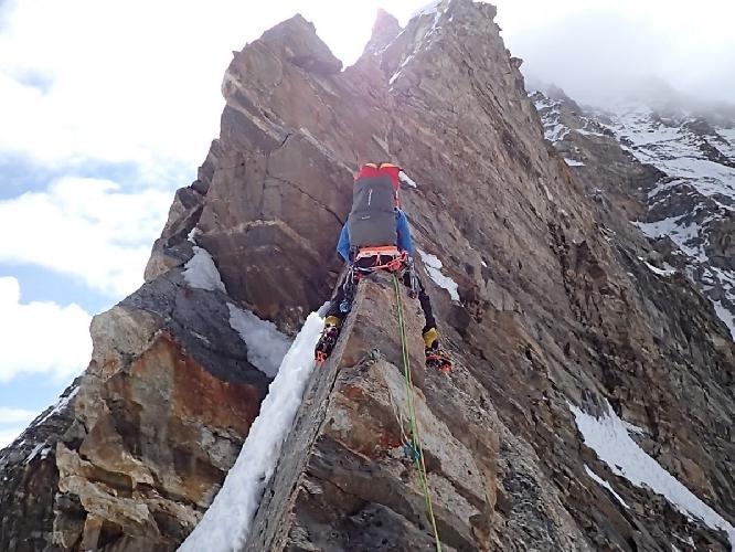 Первый день восхождения на Северо-Западный гребень горы Гангштанг (Gangstang) высотой 6162 м