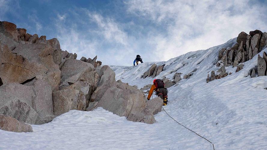 повторение маршрута на Юго-Западном гребне горы Якушири (Jaqusiri, 5900 м).