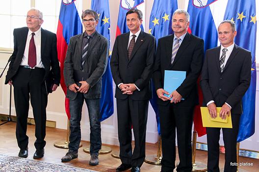 Справа налево: Марко Презел (Marko Prezelj), Андрей Брвар (Andrej Brvar), Борут Пахор (Borut Pahor), Томо Чесен (Tomo Česen) и Тоне Шкарья ( за Бояна Поллака (Bojan Pollak)