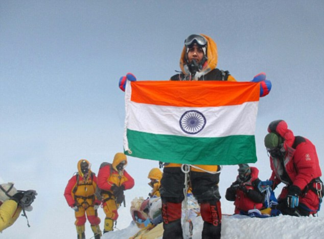 Таракешвари Ратход (Tarakeshwari Rathod)  на Эвересте (?), май 2016