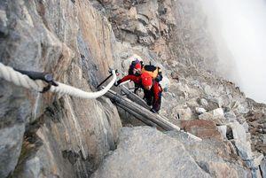 За минувшие выходные в горах Италии погибли три альпиниста