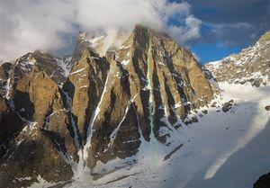 Румынские альпинисты совершили первое в истории восхождение на южную вершину горы Т16 в Индийских Гималаях