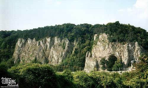 Скалы, на которых разбился король Альберт