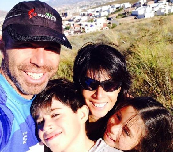Карлос Белкотоски (Carlos Belkotosky) с семьей