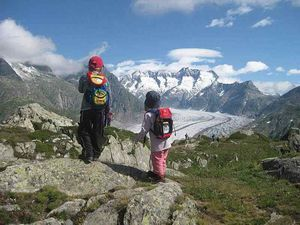 Швейцарские Альпы превращаются в огромный Диснейленд?