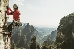 Майя Смит-Гобат: Скалолазание в Чжанцзяцзе, Китай