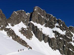 Президент французского альпийского клуба Шамони погиб при восхождении на вершину горы в Альпах