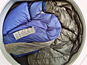 Как стирать спальный мешок и правила его хранения