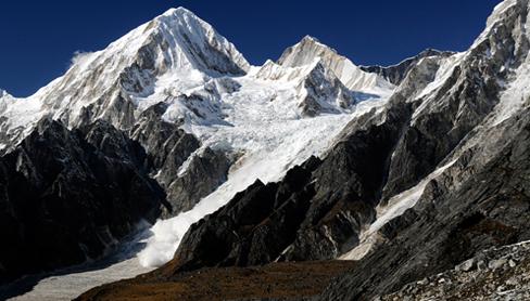 Химлунг Химал Himlung Himal (7,126 м) в западной части Непала