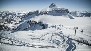 Дюжина альпийских курортов, где можно кататься на лыжах уже в октябре