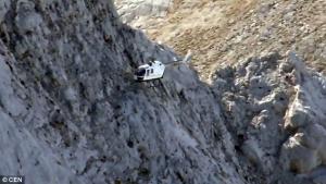 Профессионалы своего дела: спасатели эвакуировали альпинистов с горы