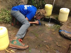 Как очистить воду в походе?
