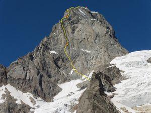 Новый маршрут на Гран-Жорас «Via RoMa» от российских альпинистов
