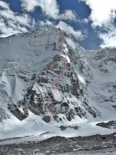 новый 1600 метровый маршрут на вершину Северного контрфорса горы Ньянквентангла (Nyainqentangla, 7046 метров) в Тибете.