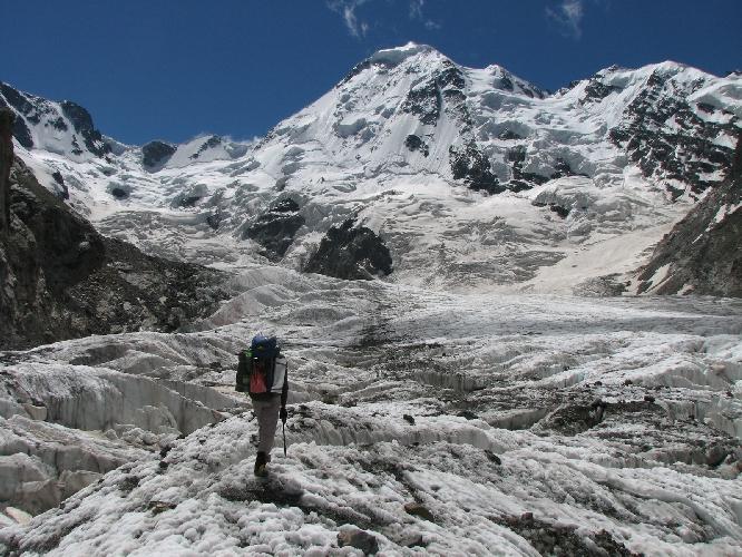 Ледник Оиш выше ледопада