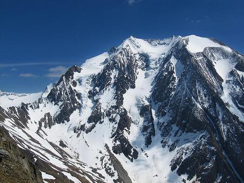 пик  Хохфайлер (нем. Hochfeiler / итал. Гран Пиластро (Gran Pilastro) высотой 3510м