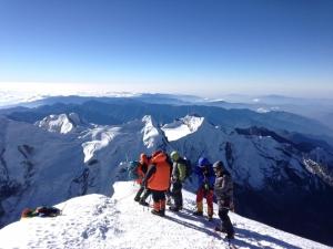 Альпинисты из Днепра поднялись на гималайскую вершину Мера Пик