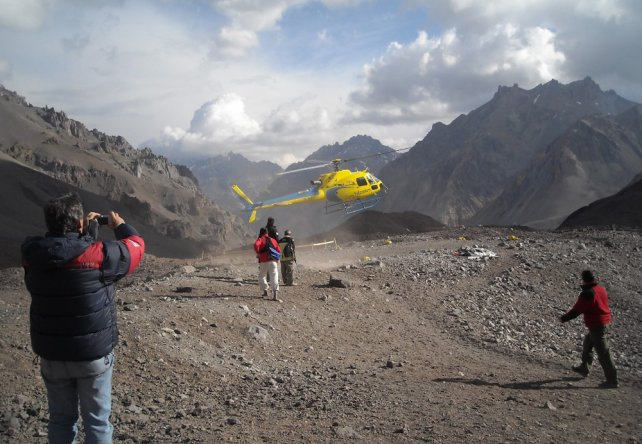 вертолет медицинской службы на Аконкагуа