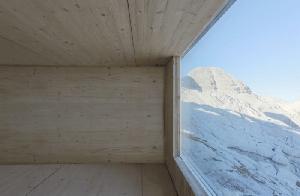 Приют для альпинистов на пике горы Канин.